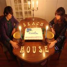 Beach House: Devotion (Limited Edition) (Colored Vinyl) (2LP + CD), 2 LPs und 1 CD